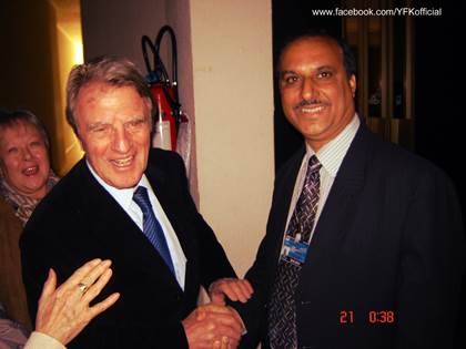 APHC leader Syed Faiz Naqshbandi met former French Foreign Minister Bernard Kouchner